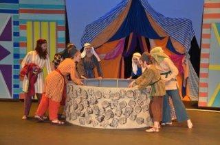 Joseph final show - Throwing Joseph into the well